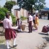 सफाइमा जुटे विद्यार्थी